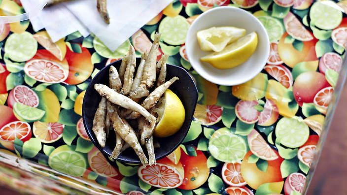 Deep-fried whitebait with cayenne pepper recipe : SBS Food