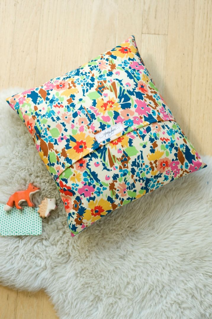 Make this applique cushion with @Anna Totten Joyce, read how to on the Liberty Craft Blog