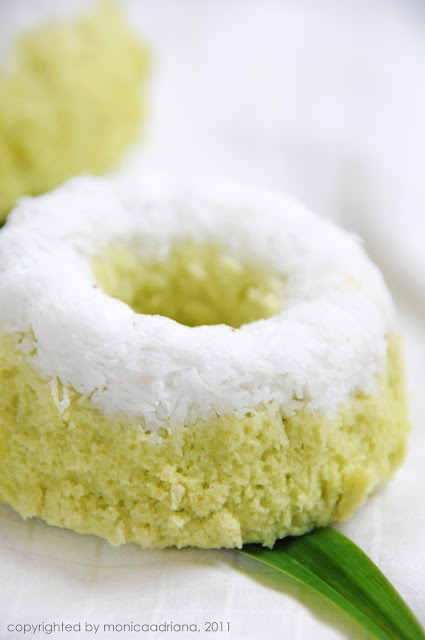 Putu Ayu - Indonesian Pandan Cakes • Indonesian food sweet