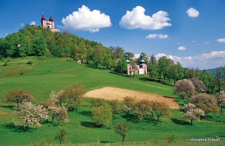 Banská Štiavnica (UNESCO) became the biggest mining centre in the Habsburg Monarchy in the 18th century. In 1762, the first mining academy in the world was founded here. The Baroque Kalvária (Calvary) has 23 sacral monuments situated in the beautiful Štiavnické vrhy hills.