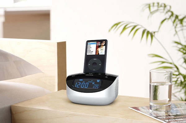 Radio FM, Reloj, Despertador... y Docking para iPod / iPhone, de Muse