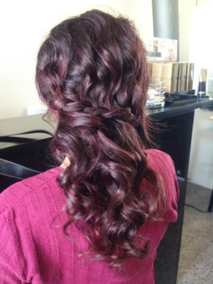 Peinado medio suelto