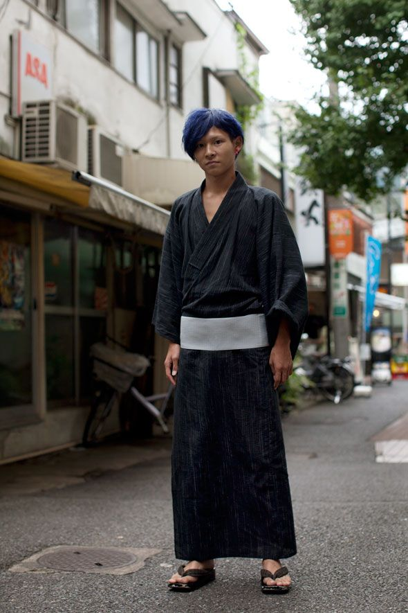 This look is fantastic. I'd love to be able to wear traditional garb in an urban setting like this. Totally individual.