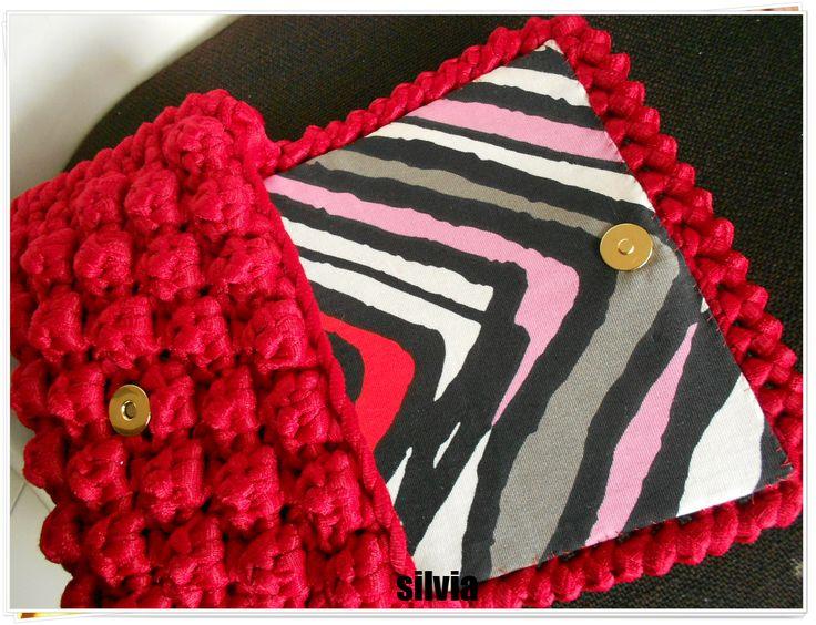 pochette nocciolina rosso rubino