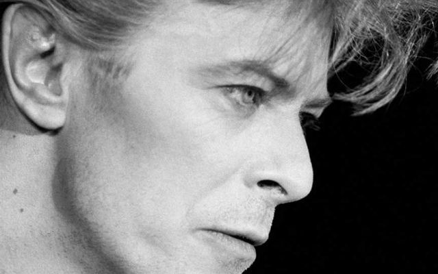 Un brano dei Pink Floyd interpretato da David Bowie!!! Sempre all'avanguardia, il Duca Bianco ha interpretato diversi brani dei Pink Floyd, oggi vogliamo proporvi la traccia See Emily Play cantata da David Bowie, canzone non famosissima del gruppo ingles