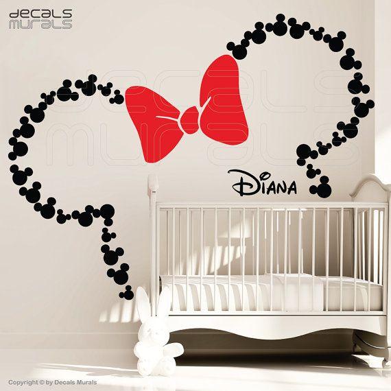 Mickey Mouse Ohren mit Schleife & personalisierte BABY NAME / Minnie Mouse Wandtattoos von GraphicsMesh (groß)