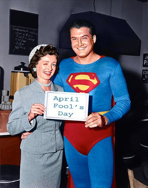 Noel Neill & George Reeves in Adventures of Superman (1951-58)