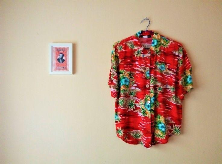 Camisa Hawaiana Roja Palmeras Volcanes Flores Tropicales I Vintage Años 90 I Talla M I Botones Nacarados I Impressions I Hipster Playa de TropicalaffaireES en Etsy