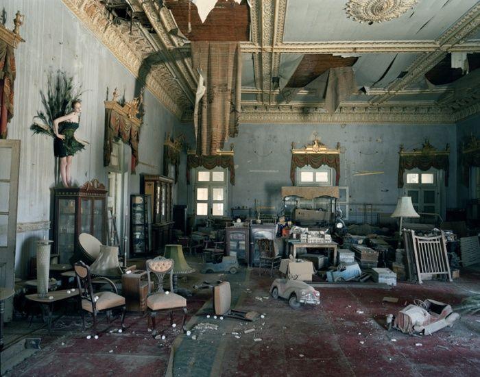 loveisspeed.......: Tim Walker photographs...İ will always love his work!