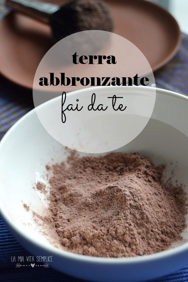 Per ottenere la mia terra abbronzante fai da teho mescolato cacao amaro e amido in parti uguali, setacciando due o tre volte il composto finale per amalgamarlo perfettamente.