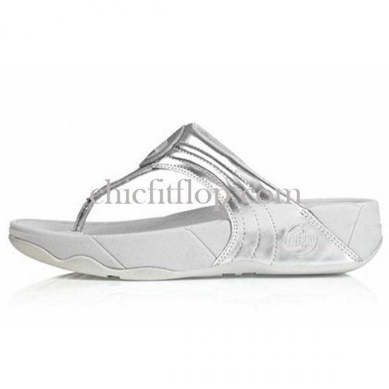 FitFlop Sandal available now, never thought there would be a FitFlop that I'd be tempted to buy. These are cute! #fitflop #shoes #sandal #cute