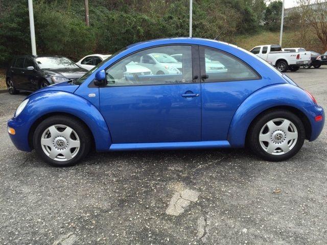 2000 Volkswagen Beetle GLX   $7,454