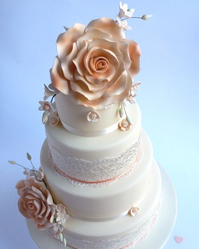 Find This Pin And More On Wedding Cakes By Karen S Cakes Bishops Stortford Uk By Karenscakes9