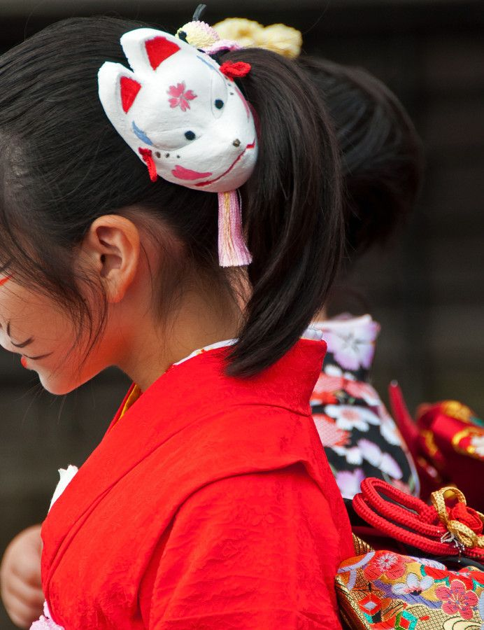 "Beauty of Japan by sugar -M on 500px. It is a scene of a festival of Japan called ""Kitsune-no-yomeiri"".  The days of this festival, girls wear a kimono and walk along a town."