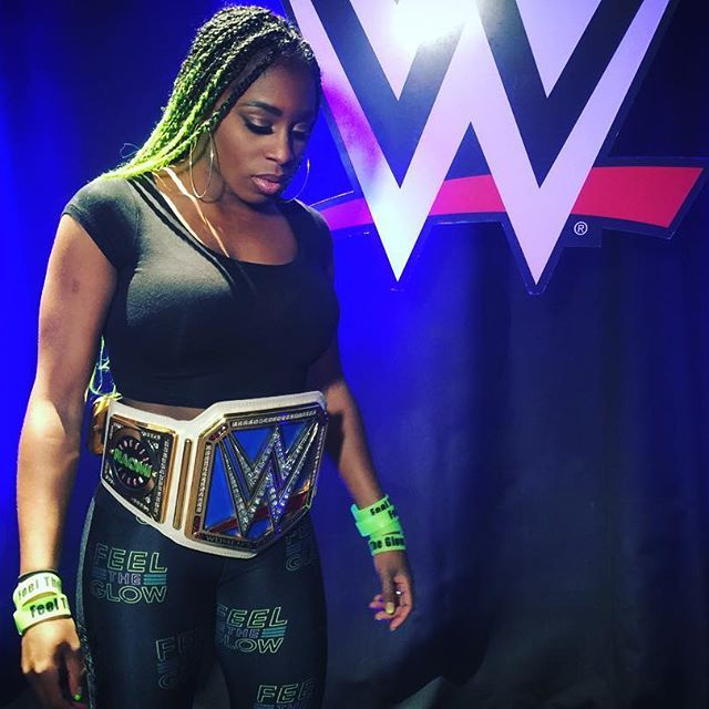 wwe What will @trinity_fatu decide to do with the #SDLive Women's Championship? #WWE  2017/02/22 09:58:46