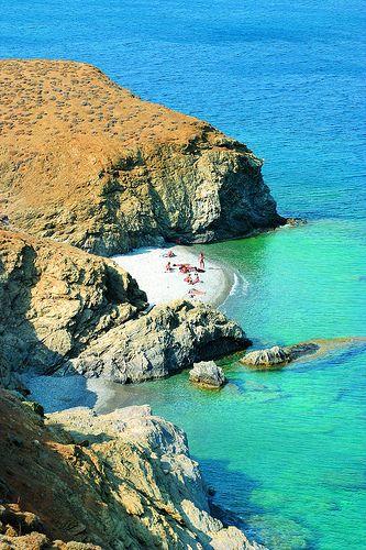 tzanaki beach