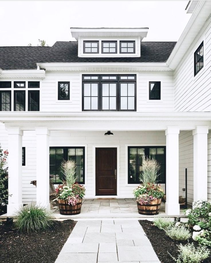 White And Black House Exterior Inspiration With Minimalist Landscaping