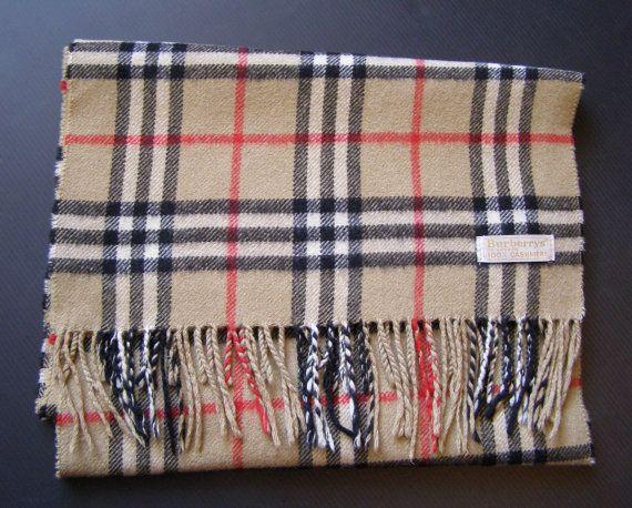 Echarpe Burberrys Vintage  Accessoires par antiquityfrench sur Etsy  https://www.etsy.com/fr/listing/481841275/echarpe-burberrys-vintage-accessoires?utm_source=Pinterest&utm_medium=PageTools&utm_campaign=Share