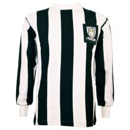 Grimsby Town 1971-1972 Retro Football Shirt Grimsby Town 1971-1972 Retro Football Shirt. Grimsby won the 4th Division championship in 1972 wearing this vintage shirt. http://www.MightGet.com/may-2017-1/grimsby-town-1971-1972-retro-football-shirt.asp