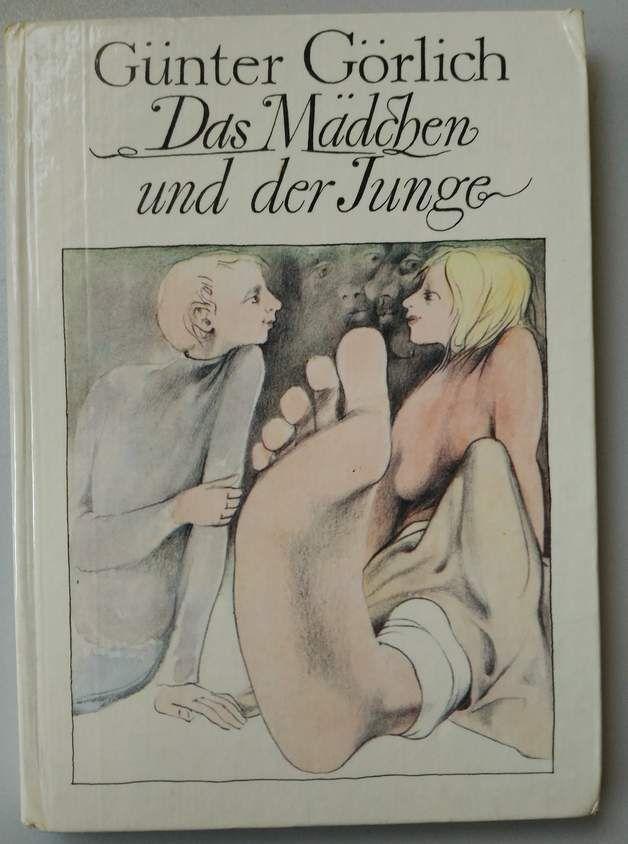 Das Mädchen und der Junge von Günter Görlich erschien 1981 im Kinderbuchverlag Berlin. Es ist für Leser ab 12 Jahren. Ein spannendes Buch über die erste Liebe, auch heute in dem Alter noch...