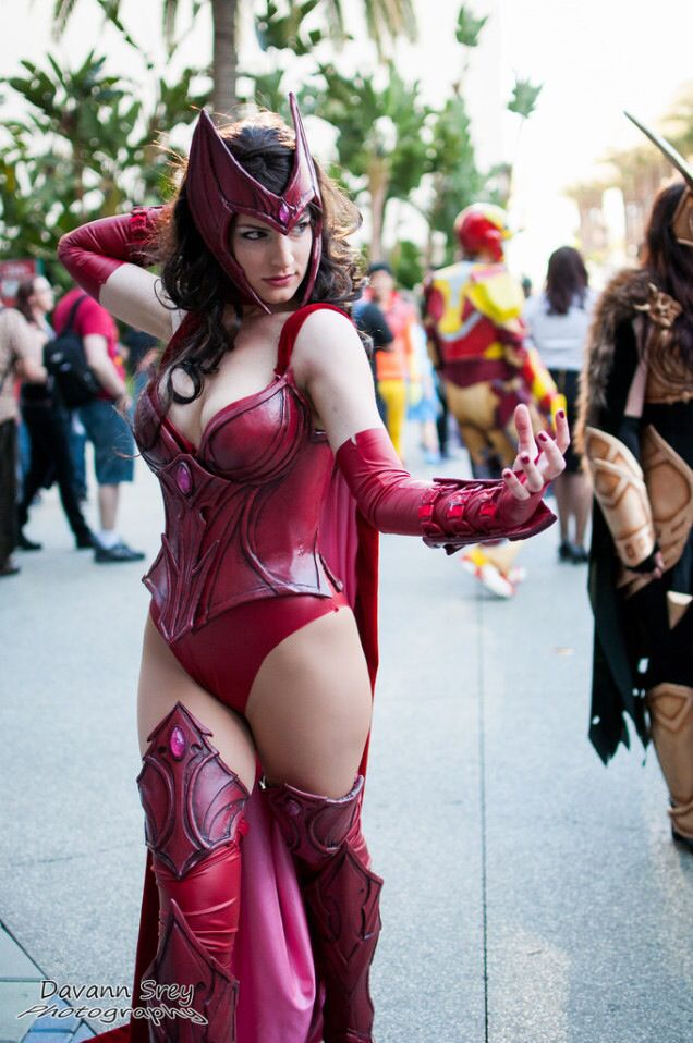 42 best Scarlet Witch Cosplays images on Pinterest ...