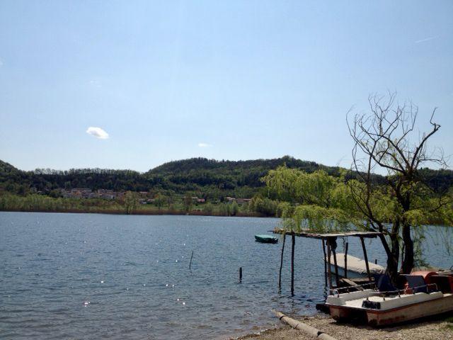 Rimedio contro le tensioni fisiche e mentali? #Corsa mattutina intorno al lago baciati dal sole #revinelago #treviso #veneto #italy