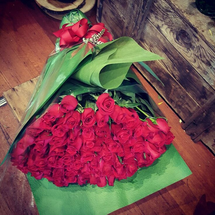 100 red roses for something romantic!