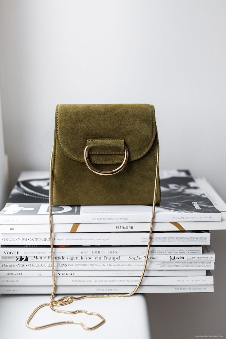 This little suede bag is gorgeous! The color is perfect for the season. #FallFas…