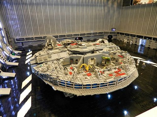 LEGO Death Star Scenes MOC. Ridiculous scale, brilliant build.
