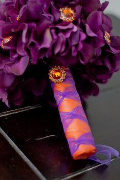 I love this ribbon stem treatment for bridal bouquet or brides made bouquet.