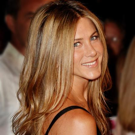 Jennifer Anniston long hair