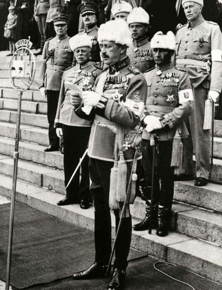 Mannerheim pitää puhetta vuonna 1939