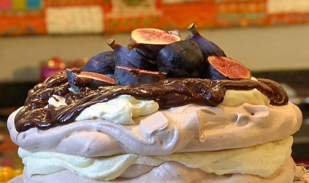 Chocolate and Fig Pavlova : Food : The Home Channel