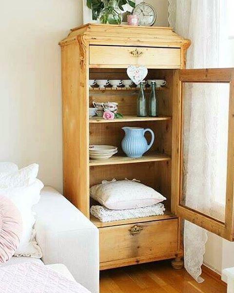 #evreka #wood #woodworking #design #homedesing #furniture #naturel #tasarim #dogal #ozeltasarim #evdekorasyonu #handmade #instagood #art #sanat #orjinal #artwork #evimsahane #antika #antik #cukurcuma #masif #ahsap #vintage #rustik #vinyl #home #homesweethome #retro #stillife http://turkrazzi.com/ipost/1523913726050131597/?code=BUmB3W1j16N