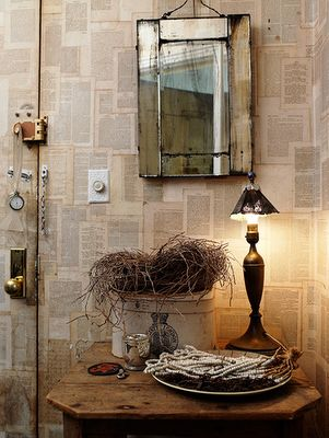 who says you need to be able to afford wallpaper to have interesting walls?   Empapelar con papel de periódico | Book wallpaper  (BB)#