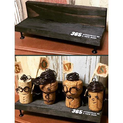 かまぼこ板とネジでベンチを作ってあげてみた♥(ˆ⌣ˆԅ)  #handmade#コルク#コルク人形#手作りベンチ#ベンチ#かまぼこ板リメイク#かまぼこ板#手作りプレゼント#家にあるモノで#0円プレゼント#愛情はたんまり
