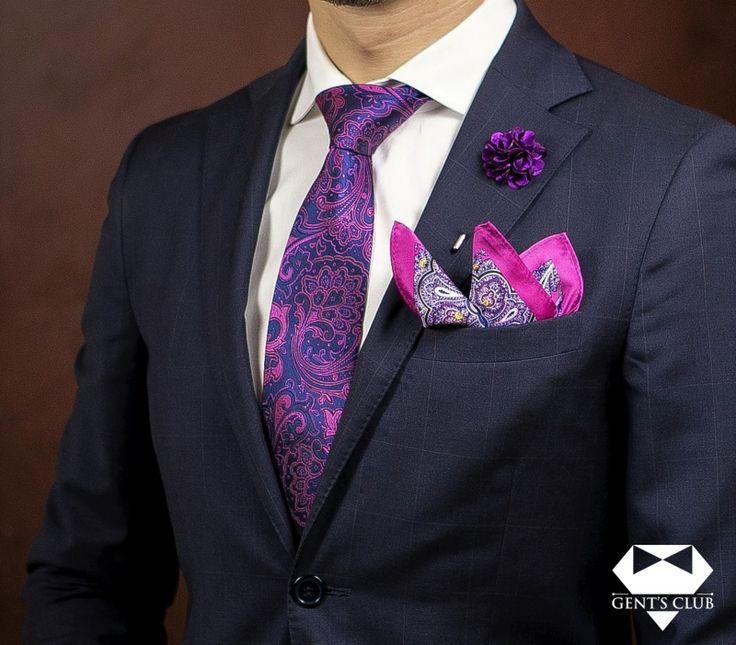 Accessories for gentlemen. Gent's Club brand Set cravata, batista, pin floral Gent's Club. Tie, handkerchief, lapel pin Gent's Club. www.gents-club.ro