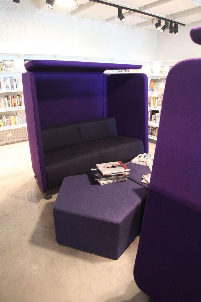 Geelong Library   Cocoon Study Seating · Futuristische MöbelBibliotheksdesignPhoto  S