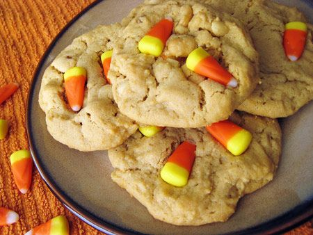 Candy Corn and Peanut Cookies- leftover halloween csndy ftw!