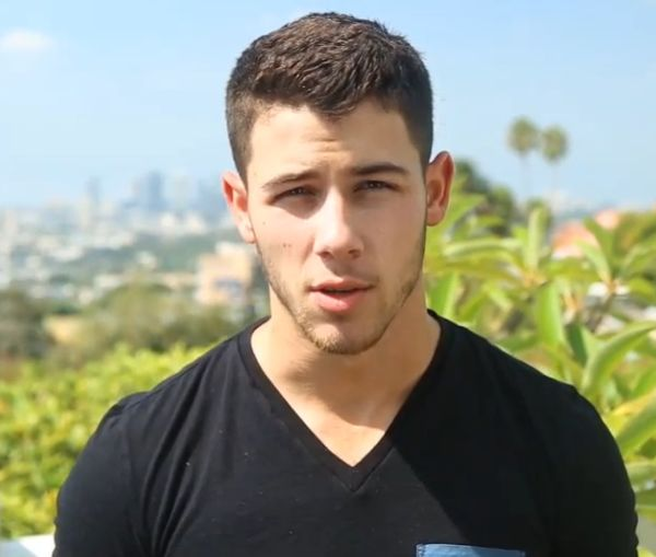 Nick Jonas Takes ALS Ice Bucket Challenge: He Claims the Video Is Epic | Cambio Not Joe but who cares!!?