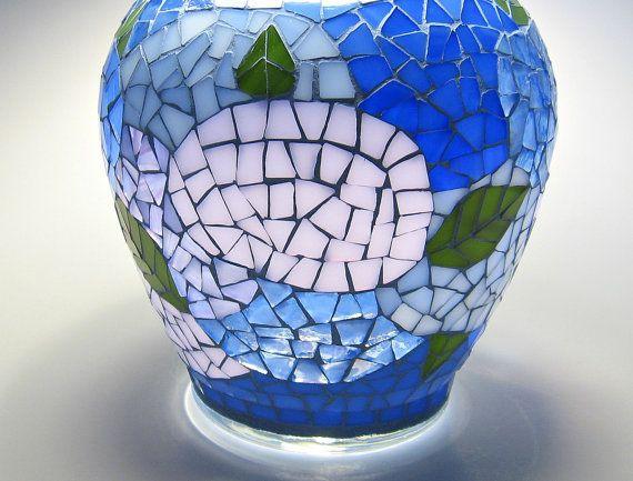 Pervinca di vetro colorato mosaico vaso di threesisterscandles