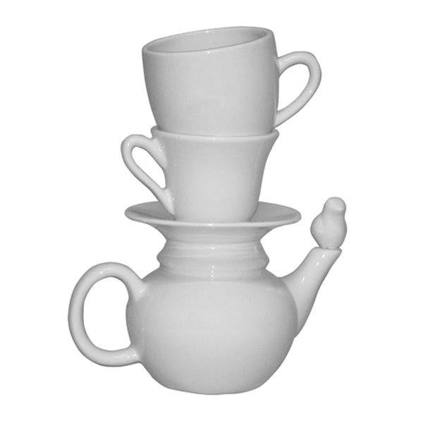 Ciekawy wazon z ceramiki w kształcie sterty filiżanek.