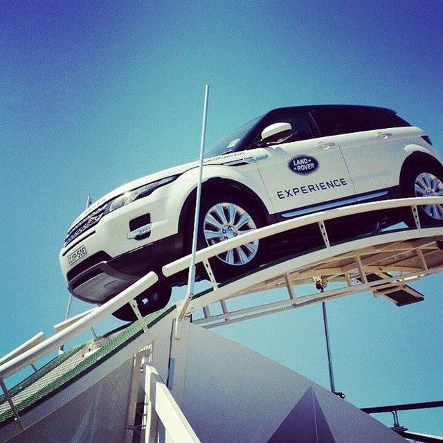 "7,470 aprecieri, 47 comentarii - Land Rover (@landrover) pe Instagram: ""#Regram from @lelya2beruffian. Above and Beyond #LandRoverExperience"""