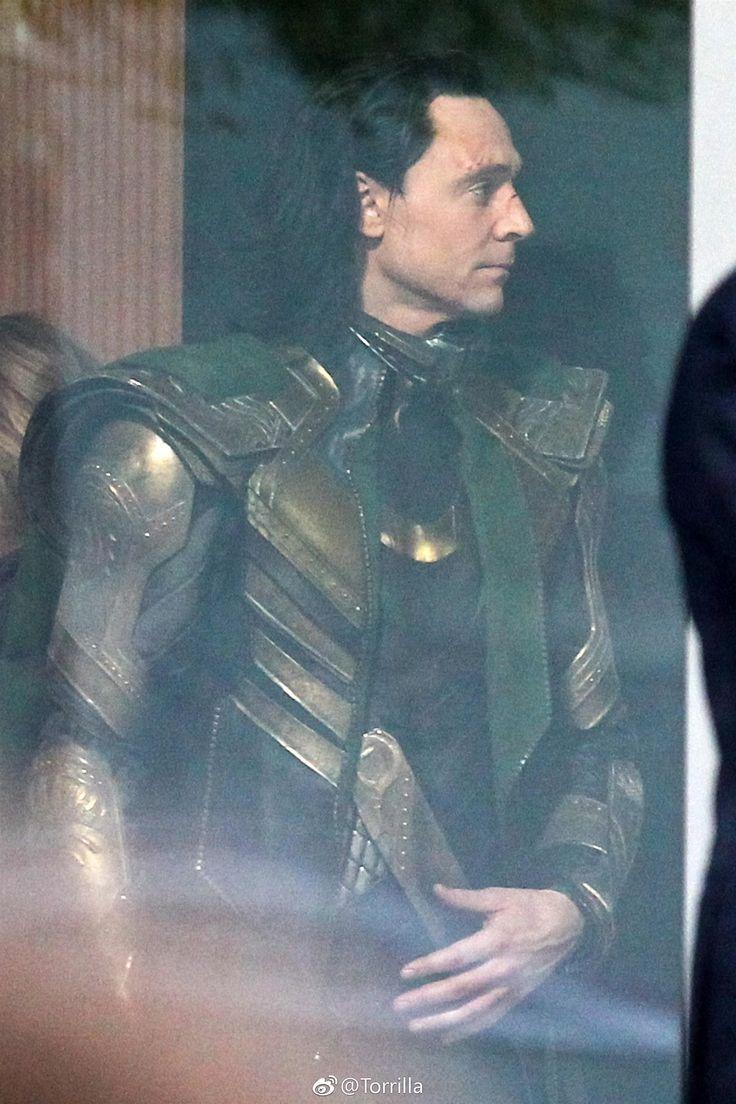 Tom Hiddleston were spotted filming scenes for 'Avengers 4' in Atlanta, GA on November 2, 2017. Source: Torrilla: https://m.weibo.cn/status/4169861841783564#&gid=1&pid=5