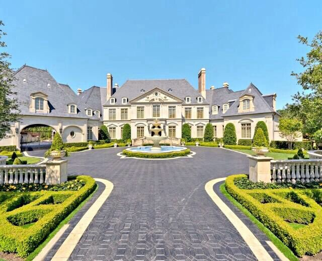 Mansion for the Rich and Famous