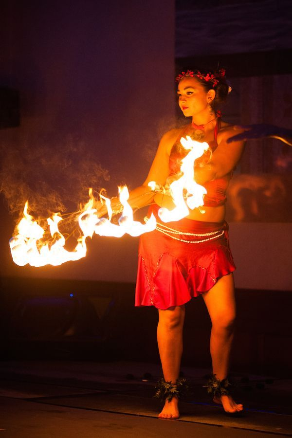 Fire Dancing Photography From Soul Fire Productions In Kauai Hawaii Adding Fire Dancing And More To Kauai Hawaii Destination Wedding Hawaii Hawaii Photography