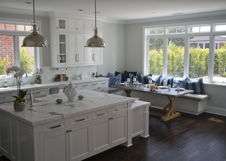 White Kitchen With Breakfast Nook : P2 Design Inc.