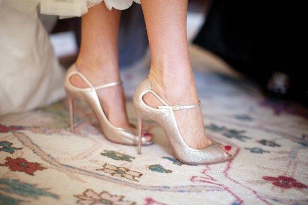 Elegantes zapatillas beiges