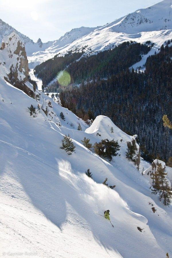 Ski in Courchevel Stone & Living - Immobilier de prestige - Résidentiel & Investissement // Stone & Living - Prestige estate agency - Residential & Investment www.stoneandliving.com