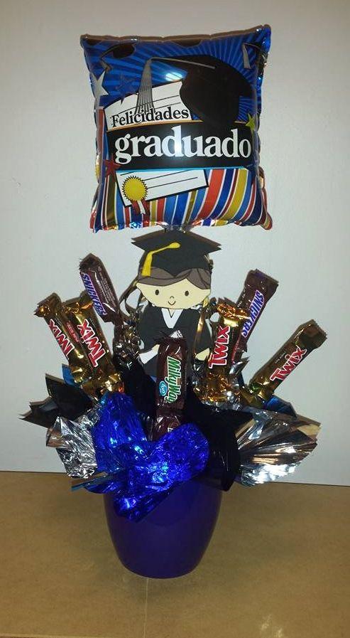 Arreglo con globo y chocolates para graduación/Graduation gift.
